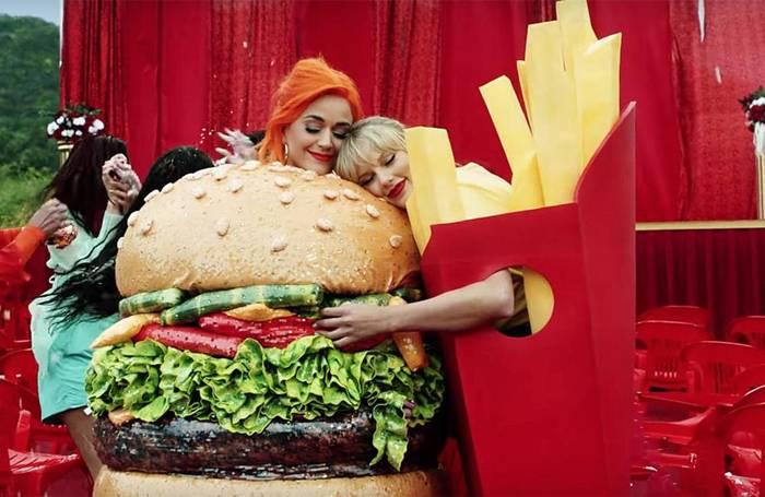 News video: Katy Perry will ein gutes Vorbild für die jüngeren Fans sein