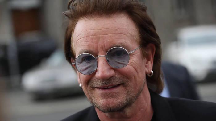 News video: U2-Star Bono: Mit Straßenkunst gegen AIDS