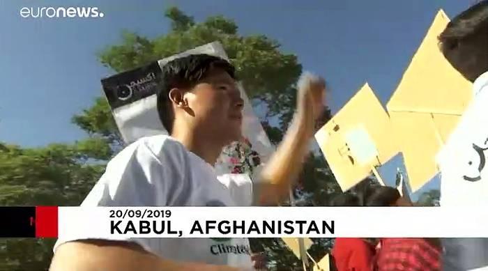 Video: Mit Panzer und Geleitschutz: Klimaproteste in Kabul