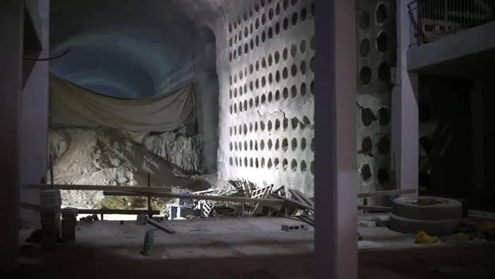 Video: Mit Fahrstuhl ans Grab: Unterirdischer Friedhof in Jerusalem