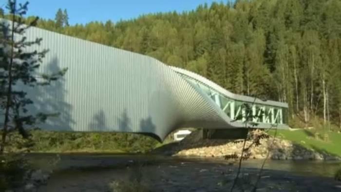 Video: Stararchitekt Bjarke Ingels baut Brücke