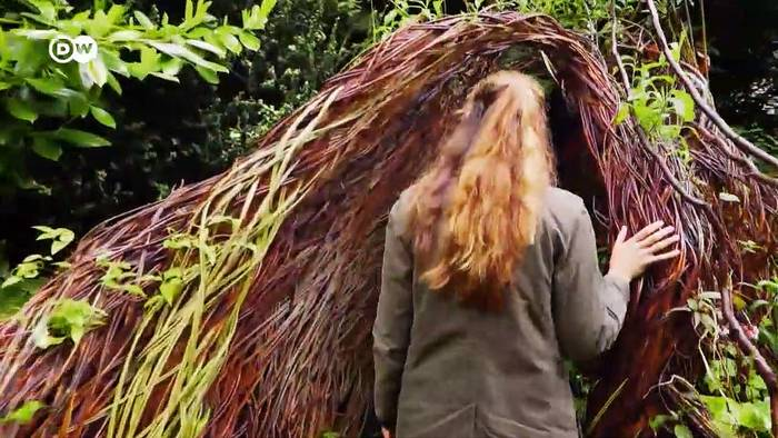 Video: Landart von Laura Ellen Bacon | Euromaxx