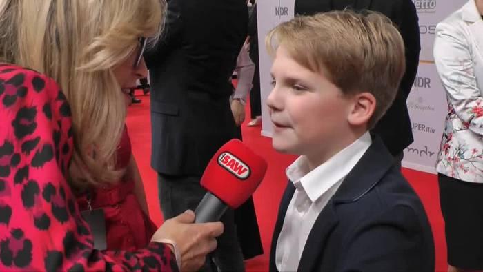 News video: «Goldene Henne» für Darsteller des jungen Kerkeling
