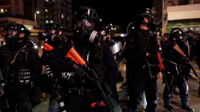 Video: Tränengas und Steine bei erneuten Protesten in Hongkong