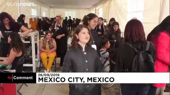 Video: Mexiko: Catwalk für Menschen mit Behinderung