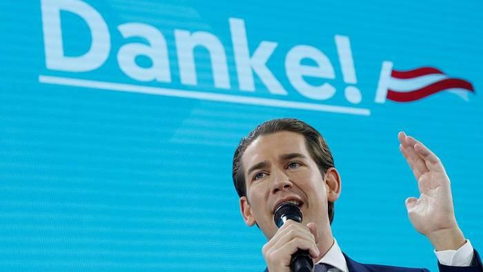 Video: Mehr als 37%: Sprachloser Sebastian Kurz feiert Wahlerfolg der ÖVP