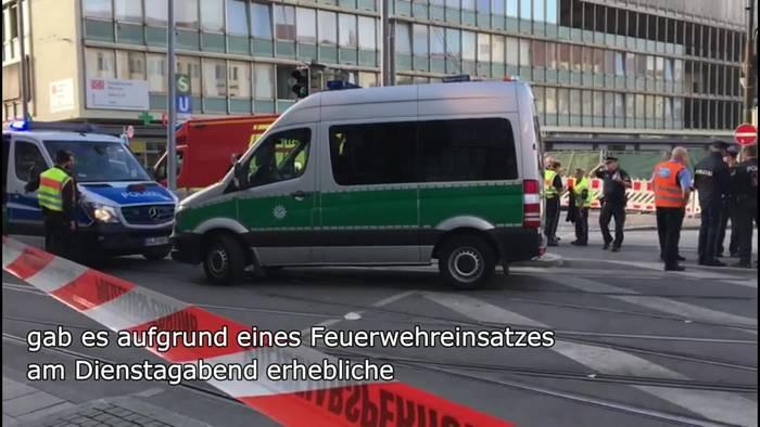 Video: Großeinsatz am Hauptbahnhof: LKW-Unfall legt Verkehr lahm