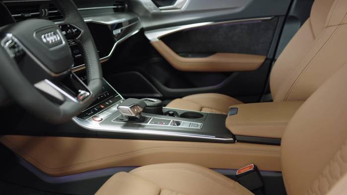 Video: Der neue Audi RS 6 Avant - Sportlich und variabel - das Interieur