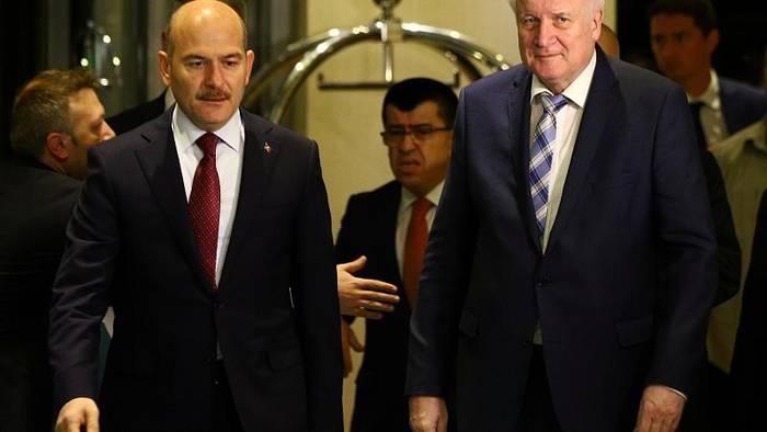 Video: EU-Migrationspakt: Seehofer bei Treffen in Ankara