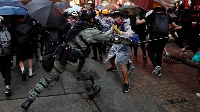 News video: Erneute Eskalation in Hongkong: Tränengas und Gummigeschosse