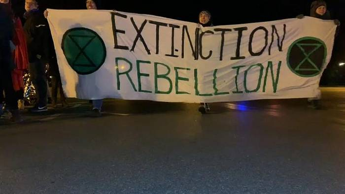 Video: Blockaden für mehr Klimaschutz: Protestierende legen Berlin lahm