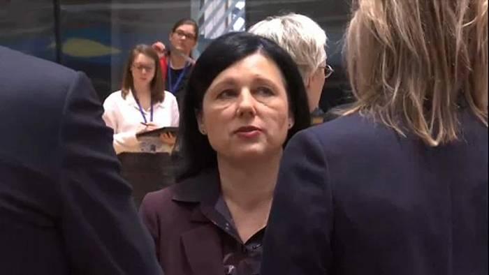 Video: EU-Kommission: Vera Jourova soll über Grundwerte wachen