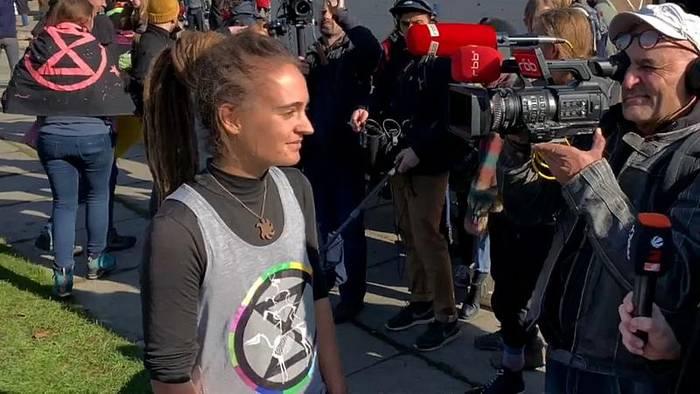 News video: Klimaprotest mit Carola Rackete