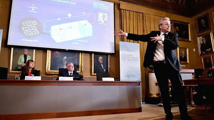 Video: Chemie-Nobelpreis 2019 für Entwickler von Lithium-Ionen-Batterien