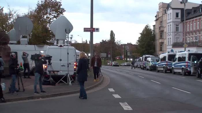 News video: Schüsse in Halle: Täter wohl deutscher Rechtsextremist