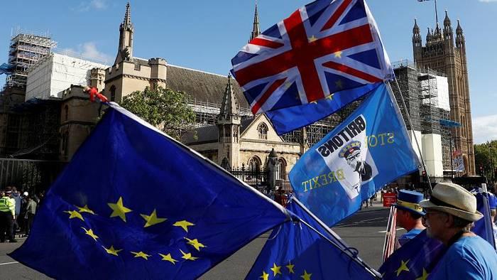 Video: Brexit: Wie EU-Bürger auf der Insel darum kämpfen, zu bleiben