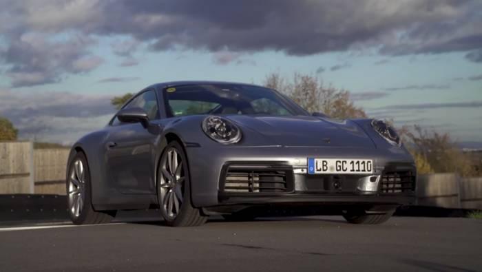 News video: Kurz vor der Weltpremiere - Mark Webber im neuen Porsche 911