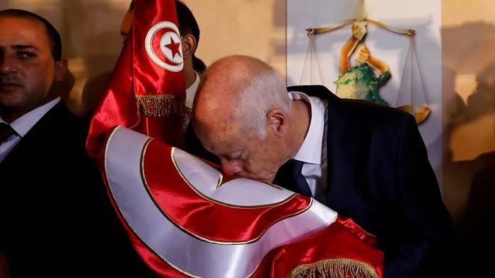 News video: Präsidentenwahl: Jurist Kaïs Saïed gewinnt in Tunesien