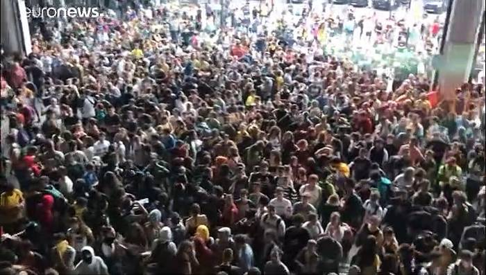 News video: Katalonien: Heftige Proteste nach Urteilen gegen Separatistenführer
