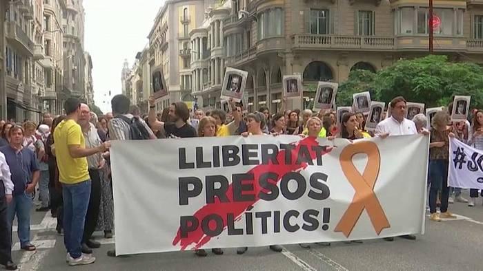 Video: Katalonien: Verletzte bei Protesten nach Gerichtsurteilen