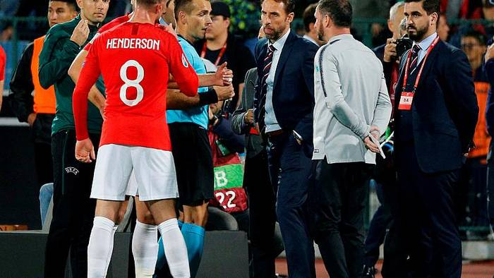 News video: Fußball-Präsident nach Rassismus-Vorfällen zurückgetreten - UEFA vor Anklage gegen Bulgarien