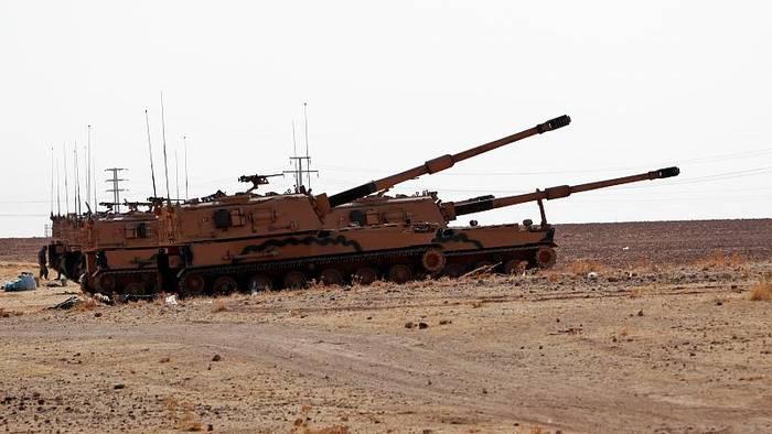 Video: Nach US-Rückzug: Syrische Truppen übernehmen Kontrolle von Grenzstadt Kobane