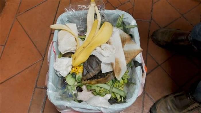 Video: Erschreckende Zahlen: So viel Essen landet im Müll