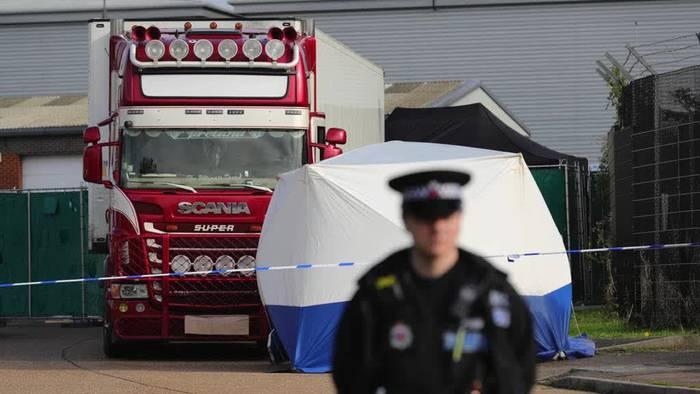 Video: 39 Tote in Container in Großbritannien entdeckt