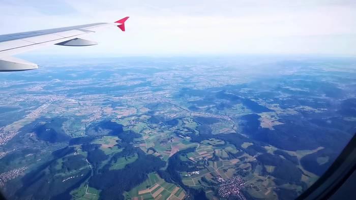 Video: Flug von Wien nach Stuttgart mit einem Airbus A-319