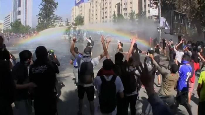 Video: Unruhen in Chile: Proteste ohne Ende