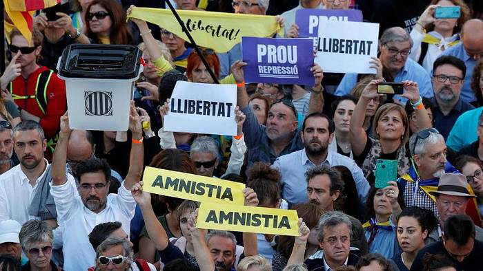 News video: Barcelona: 350.000 Menschen protestieren für Unabhängigkeit