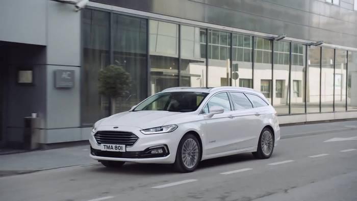 Video: Ford Mondeo - Umfangreich Aufgewertet Mit Neuem Hybrid-Kombimodell, Modernen Motoren Und 8-Gang-Automatik