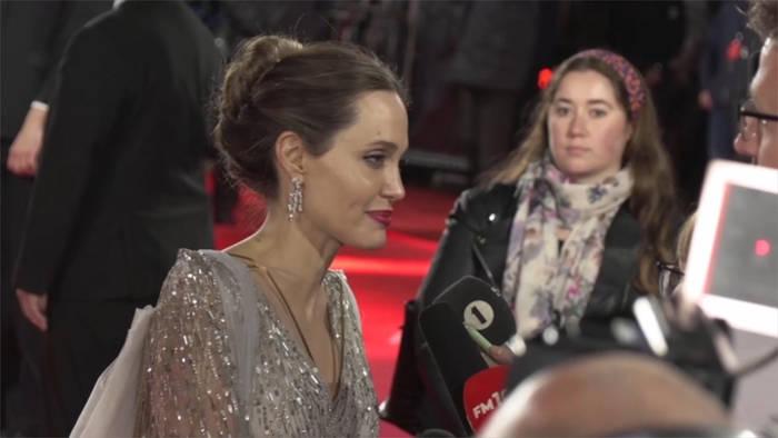Video: Angelina Jolie: Das Leben außerhalb der USA bleibt ein Traum