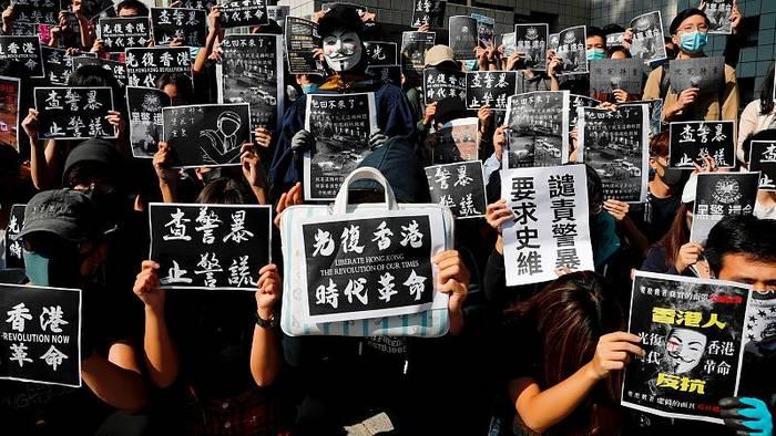 News video: Hongkong: Trauer um 22-jährigen toten Studenten