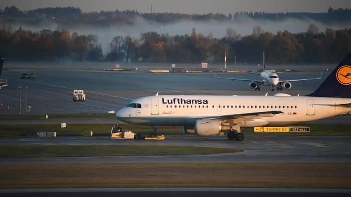 News video: Flugbegleiter streiken weiter - Hunderte Flüge ausgefallen