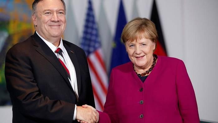 Video: Merkel und Pompeo reagieren auf Macrons