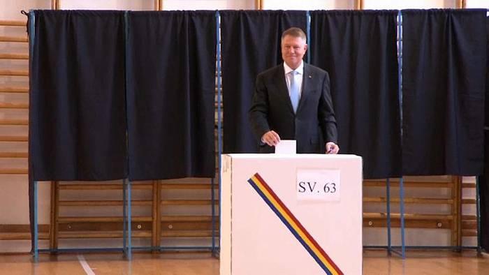 News video: Rumänien: Präsident Johannis gewinnt, muss aber am 24.11. in Stichwahl