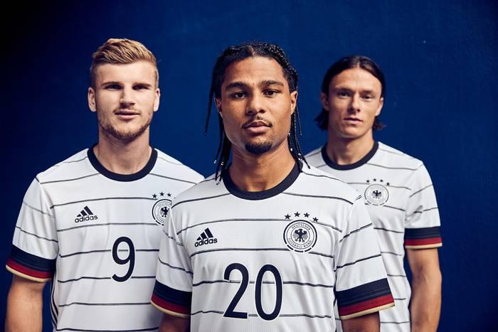 Video: Neues Deutschland-Trikot für die EM 2020 - Fans machen sich lustig