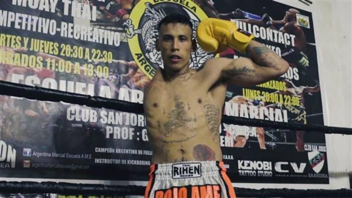 Video: Inspirierende Story: Der einarmige Muay Thai Kämpfer
