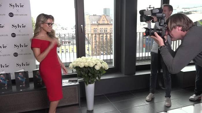News video: Sylvie Meis sieht Brillen als Accessoire