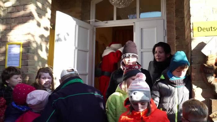 News video: Brandenburgs Weihnachtsmann beantwortet wieder Wunschzettel