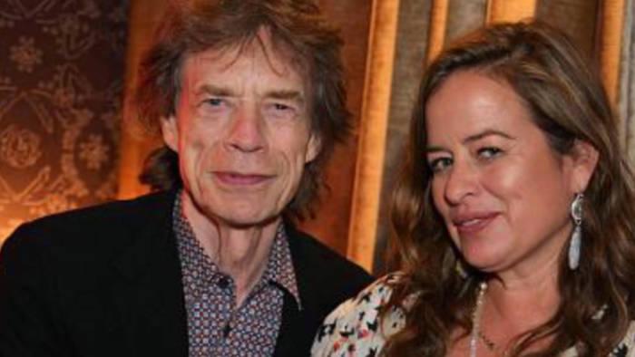 Video: Mick Jaggers Tochter Jade: Berühmte Eltern sind ein Hindernis