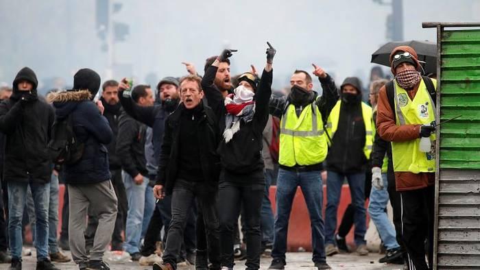News video: Blockaden, Krawalle, Tränengas: Gelbwesten-Protest zum Jahrestag