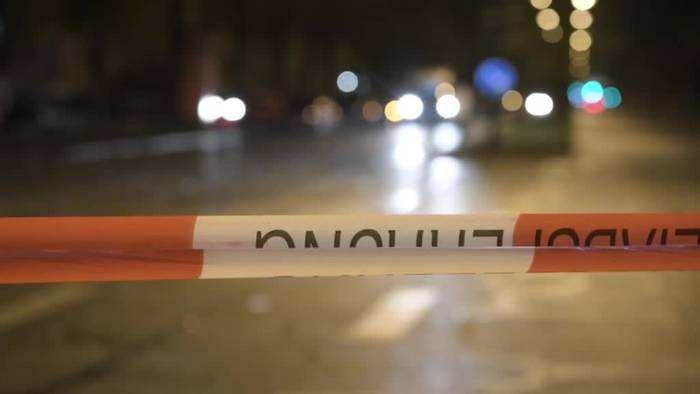 News video: München: Auto prallt in Jugendliche, 14-Jähriger tot