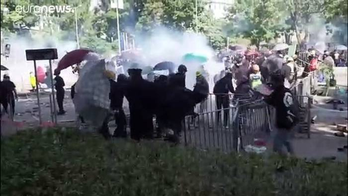 News video: Polizei gegen Studierende: Gewalt auf beiden Seiten in Hongkong