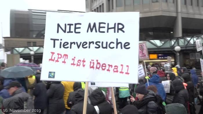 News video: Hamburg: Tausende demonstrieren gegen Tierversuche