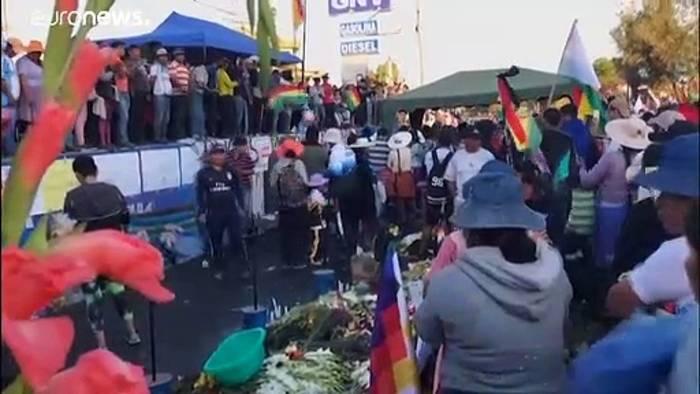 News video: Straßenblockaden in Bolivien: Lage spitzt sich nach Morales Rücktritt zu