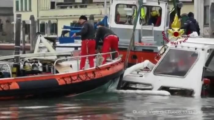 News video: Italien: Entspannung in Venedig - Schneechaos in Südtirol