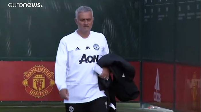 News video: Tottenham holt Jose Mourinho