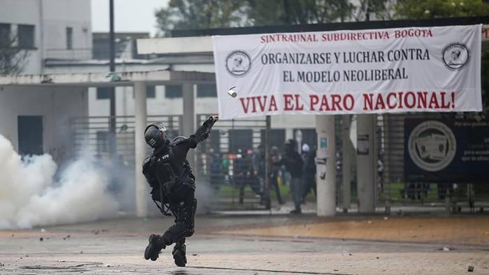 Video: Proteste jetzt auch in Kolumbien: Allein 200.000 in Bogota